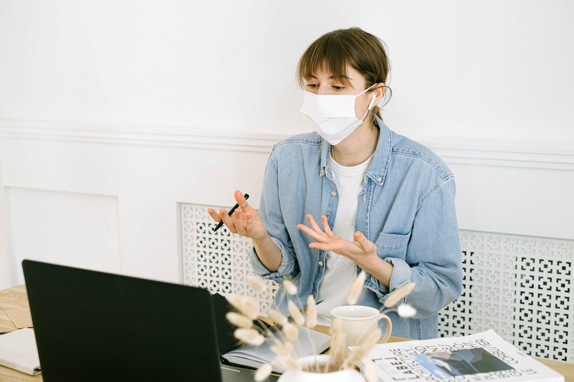 Wskazówki dotyczące utrzymania higieny w miejscu pracy podczas Covid-19