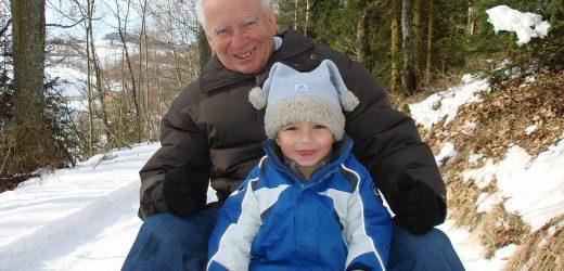 Udział dziadków w wychowaniu dziecka – gdzie jest granica?