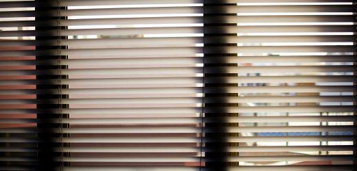 Rodzaje rolet wewnętrznych w mieszkaniu